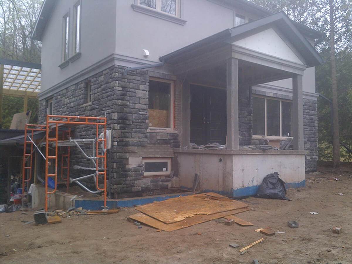 Exterior stone and stucco mississauga contractor for Stucco and stone
