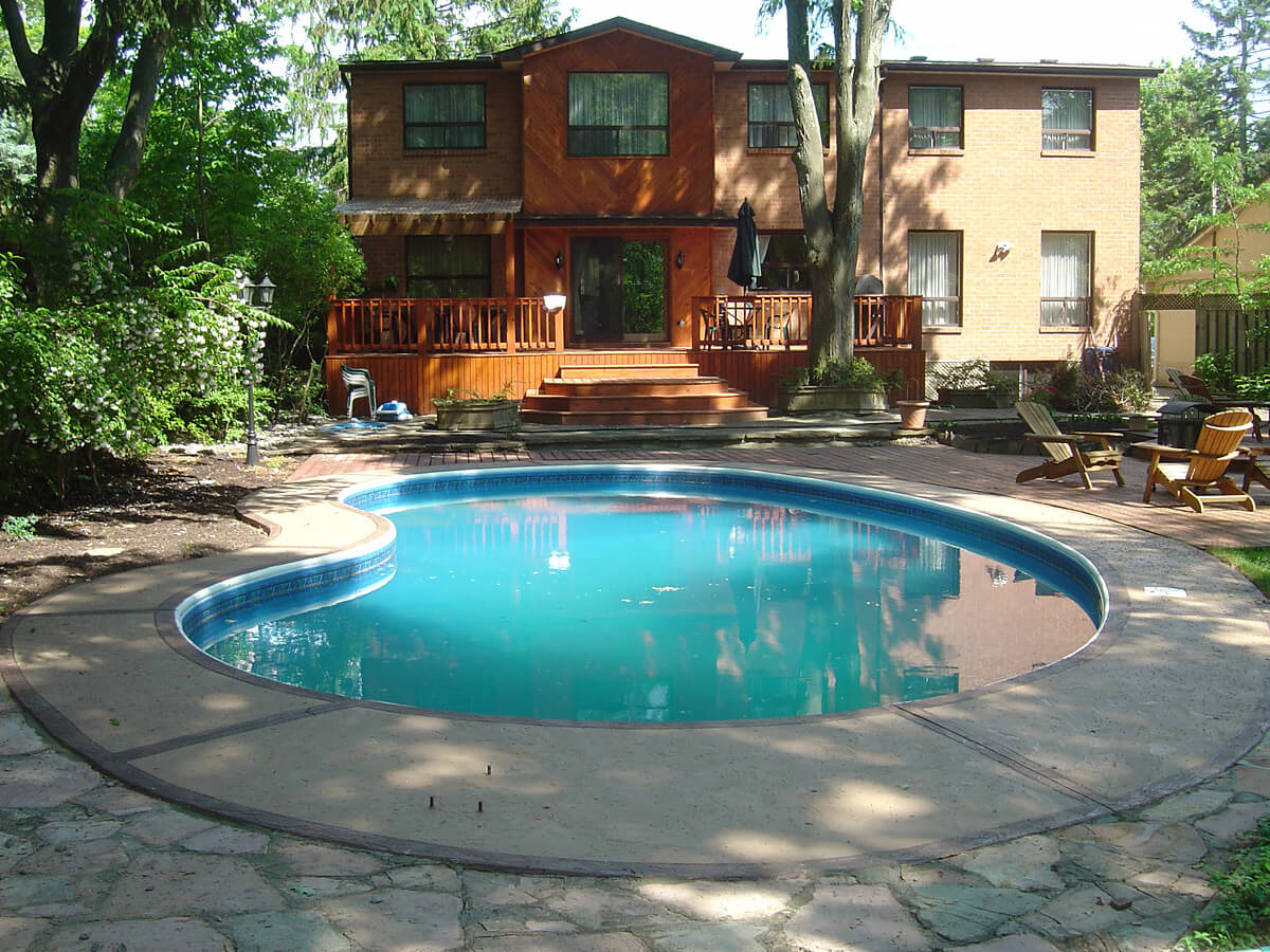 Pool deck resurfacing and restoration oakville ontario for Swimming pool resurfacing
