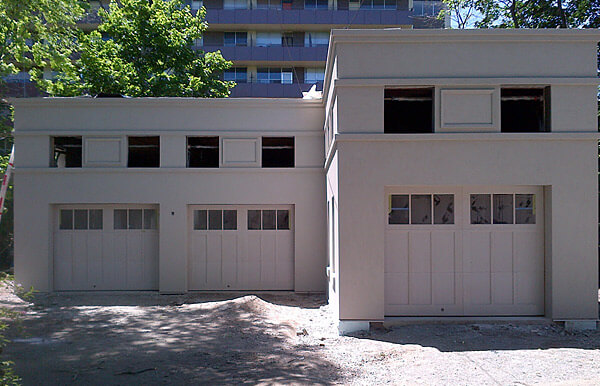 Stucco Finish on Garage Application