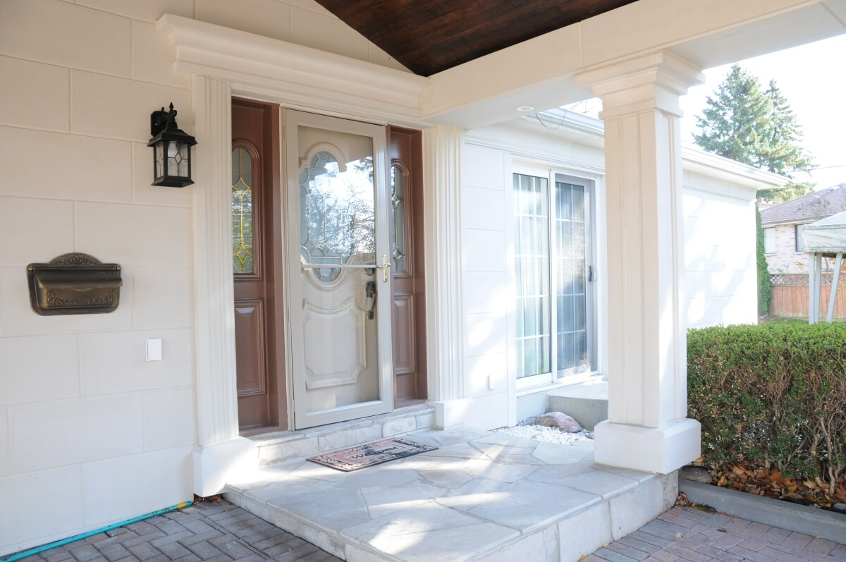 Design and installation of exterior moulding ideas