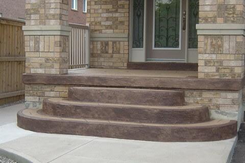 Sandalwood Parkway, Brampton – Decorative Concrete Overlay on front porch steps