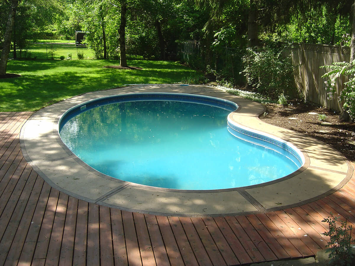 Swimming Pool Deck Restored and Repaird with Stone Concrete Look