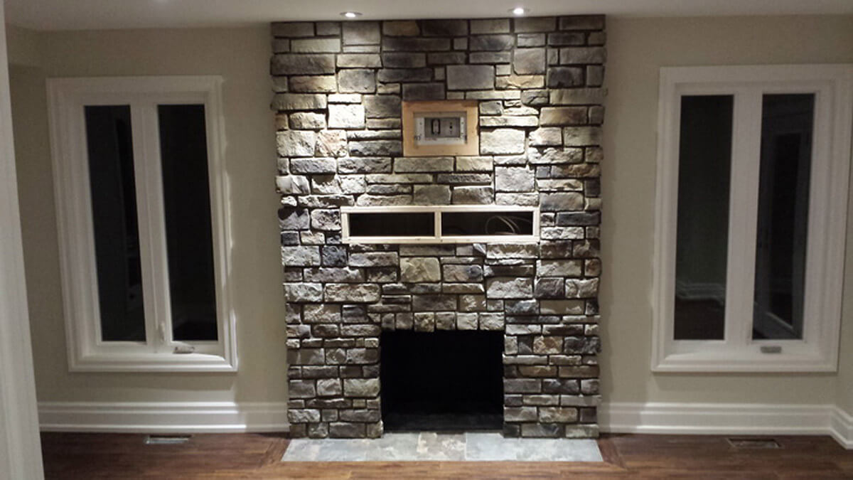 Indoor stone veneer on Fireplace mantel